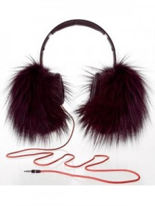 oscar-de-la-renta-beats-by-dre-collaboration, Kalyn Johnson, Possess Your STYLE, STYLE by Kalyn Johnson